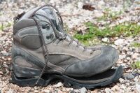 Trekking-shoe-broken-intensive-use-76297519.jpg